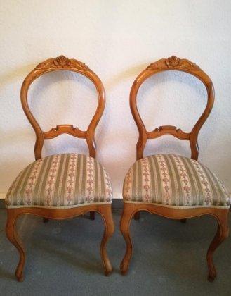 zwei-stuehle-um-1850